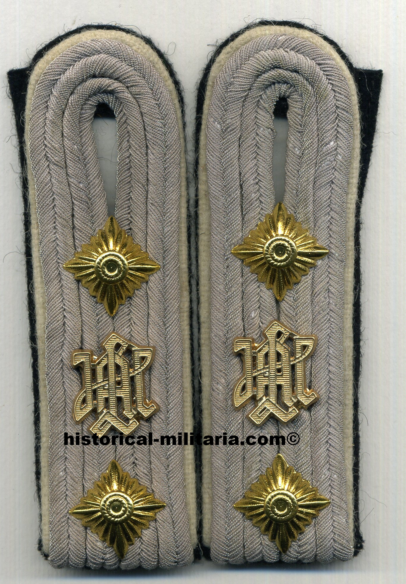 LAH SS-Hauptsturmführer Waffen-SS shoulder boards - Infantry of Leibstandarte SS Adolf Hitler with LAH cyphers Captain Schulterklappen spallline da Capitano