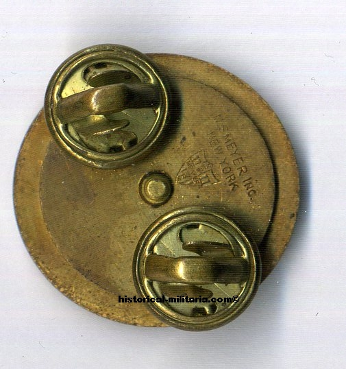 original ww2 US Army Enlisted INFANTRY Collar Disc Brass clutch with maker markings diameter 2.6 cm