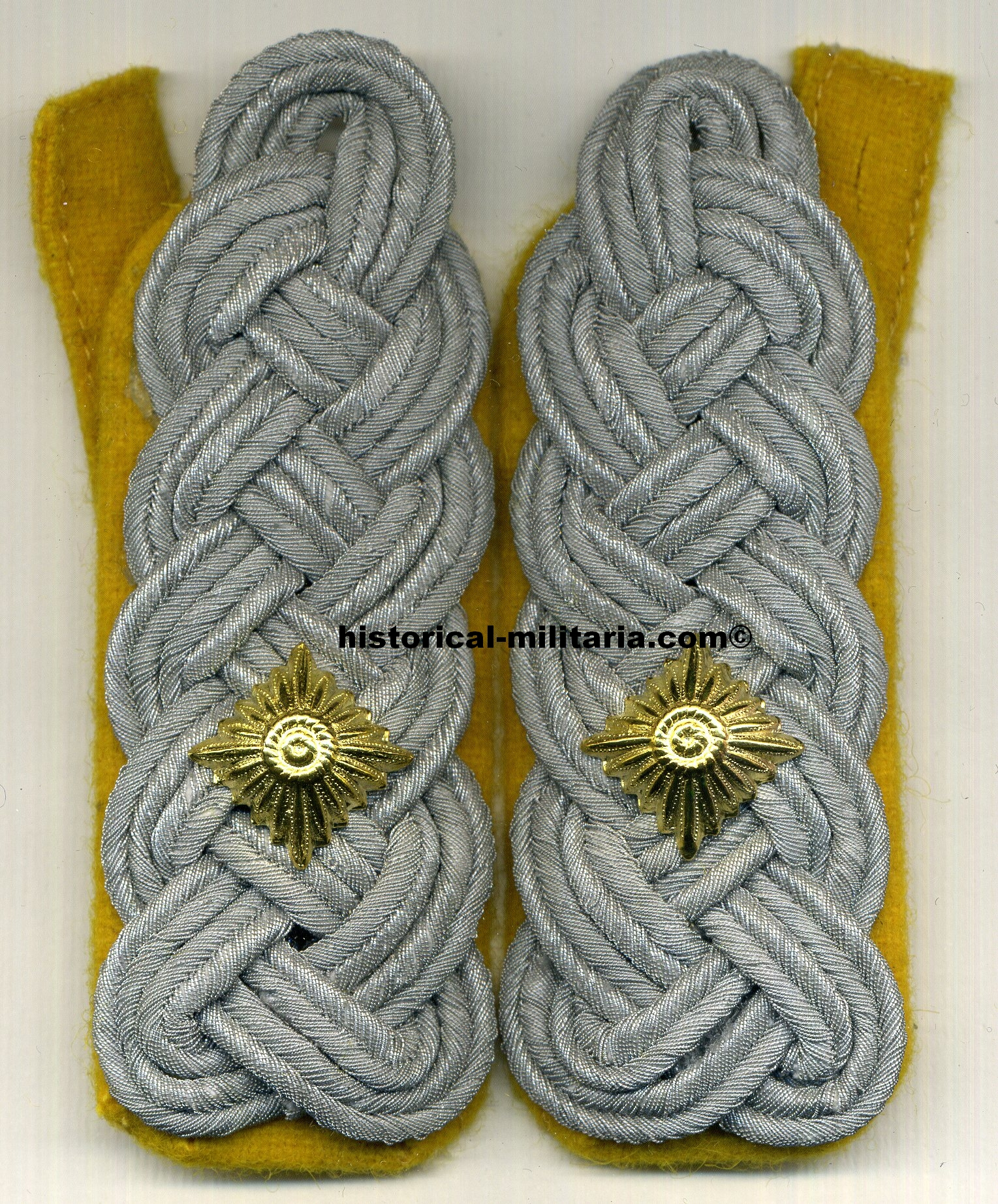 Luftwaffe Flieger Oberstleutnant Flieger Schulterklappen goldgelb Flight Lt. Colonel slip-on shoulder boards matte cords on golden yellow - spalline da Tenente Colonnello