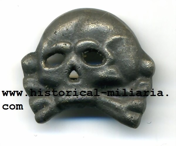 Prussian Death head skull aged looking - Preussischer Totenkopf - Teschio prussiano in metallo per copricapo