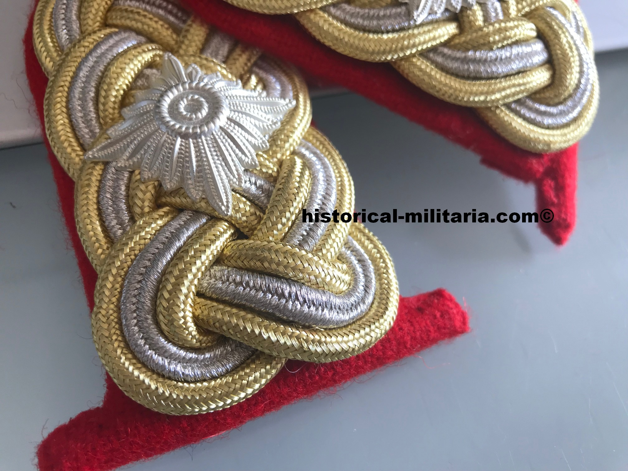 Generalleutnant Wehrmacht Schulterklappen Sommeruniform - German Army Major General removable shoulder boards summer tunic - spalline da Generale di Divisione Heer per l'uniforme estiva